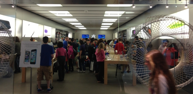 Apple Store Oct 4