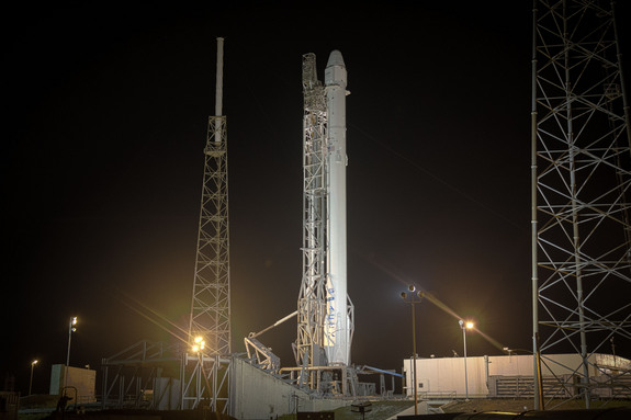 spacex-falcon9-rocket-dragon-crs-5