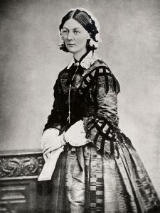 800px-Florence_Nightingale_three_quarter_length