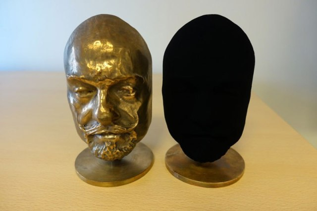 vantablack-darkest-substance-ever-made-1